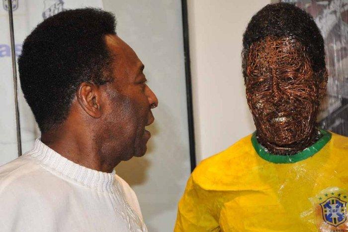 Pelé diz que racismo deve ser ignorado.(Divulgação/Santos FC)