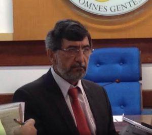 O reitor da Ufes, Reinaldo Centoducatte, conversou com a imprensa, na tarde desta quarta-feira (05) Foto: Alexandre Kapiche / TV Vitória