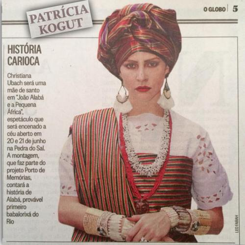 Christiana Ubach caracterizada como Mãe Wanda de Omulu para o espetáculo