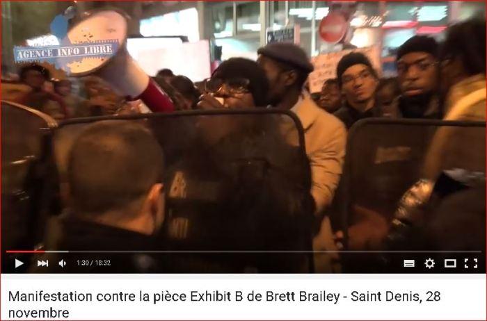 Manistação contra Ex-Hibit-B em Paris