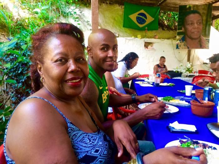 Armando e Berenice prestando solidariedade ao Quilombo do Sacopã